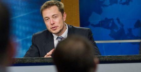 Elon Musk llama a & # 8220; Break Up Amazon & # 8221;